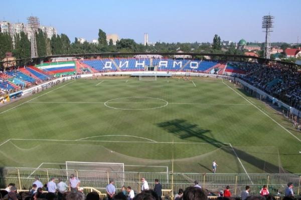 Анжи (Махачкала). Стадион «Динамо»